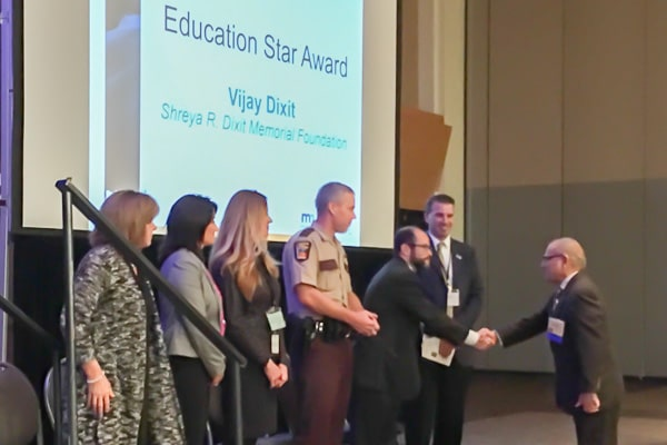 dixit-education-star-award-1010